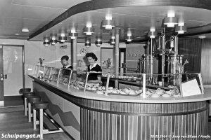 Bar in salon
