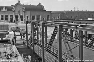 Bouw van fuik en brug in Vlissingen (1958)