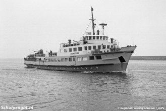 De TESO-boot De Dageraad werd gebouwd bij Arnhemse Scheepsbouw Mij. en de stapelloop vond plaats op 30 augustus 1955.