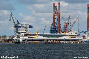 Op 20 april 2016 komt de Texelstroom voor het eerst aan in Nederland. Sleepboot Multratug 20 sleept de nieuwe dubbeldekker naar de werf in Amsterdam.