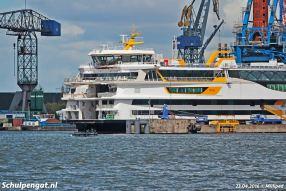 In Amsterdam wordt het schip in gereedheid gebracht om zelfstandig te gaan varen voor de proefvaarten in mei 2016.