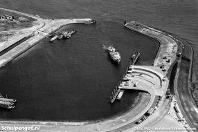 De veerhaven van 't Horntje verving de oude aanlegplaats in de haven van Oudeschild waar TESO vanaf de oprichting gebruik van gemaakt had.