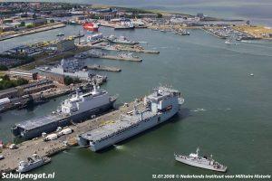 De Marinehaven van Den Helder en de veerboot naar Texel