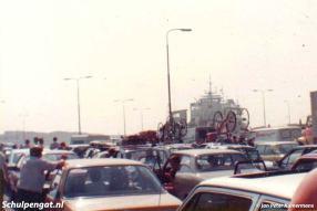 Van 1980 tot 1986 heeft de Molengat gevaren als enkeldekker omdat de aanleginrichtingen niet werden aangepast. Tot 1986 liepen de wachttijden in de zomer hard op.