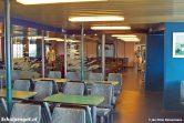 De salon van de TESO-veerboot Molengat, na de make-over van begin jaren 90. Toen kreeg de Molengat hetzelfde type interieur als de nieuwe dubbeldekker Schulpengat.