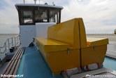 Twee bankjes van de Schulpengat op de veerboot De Vriendschap tussen Vlieland en Texel.