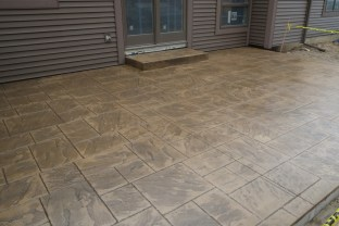 Patio with Large Ashlar Slate