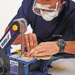 werkstukken-maken-met-tafelbandschuurmachine