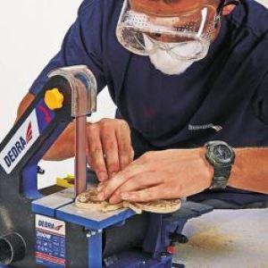 Werkstukken maken met tafelbandschuurmachine