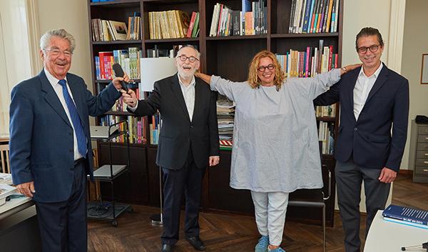Paul Chaim Eisenberg mit Heinz Fischer, Haya Molcho und Nikolaus Brandstätter | © Brandstätter Verlag/Alexander Tuma