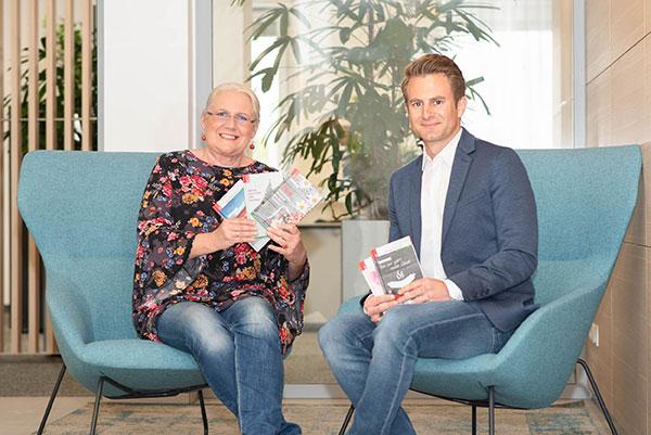 Monika Krautgartner und Verlagschef Rudolf Trauner | © Trauner Verlag