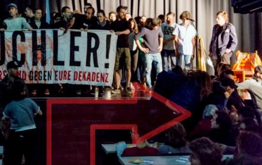 Sitzplätze der betroffenen Refugees beim Überfall durch die Rechtsextremen.