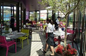 Der neue Wintergarten der Brasserie bietet den Gästen mehr Platz. Quelle: Casino de Montreux SA