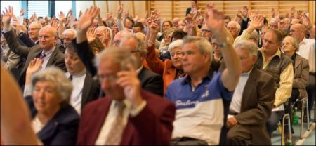 Über 200 Aktionäre und Gäste folgten der GV der Bad Schinznach AG.