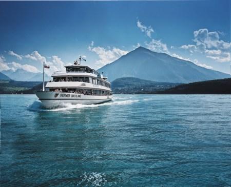 Die Schifffahrt konnte ihren Status als Sorgenkind im 2015 mit schwarzen Zahlen beenden. Abgebildet ist das Motorschiff Berner Oberland auf dem Thuner See. Quelle: BLS AG