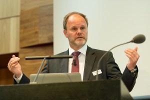 Dr. Thomas Vettiger präsentierte die Analyse der Jahresabschlüsse 2015.