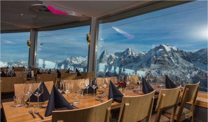 Erstrahlt in neuem Glanz: das Gipfelrestaurant Piz Gloria. Bild: www.schilthorn.ch