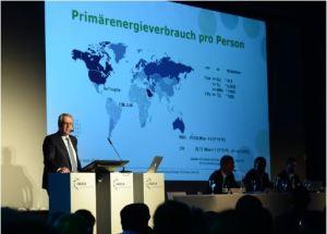 VRP Hansruedi Müller referierte über den Wandel in der Energiebranche. Bild: Sandra Blaser