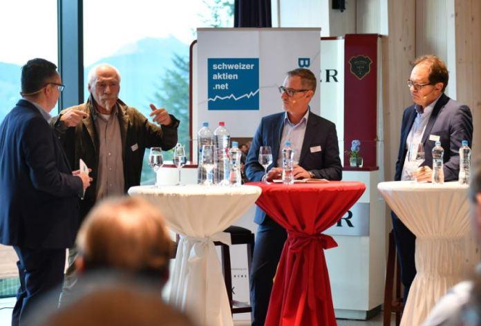 Diskussionsunde über Digitale Transformation im Schweizer Tourismus