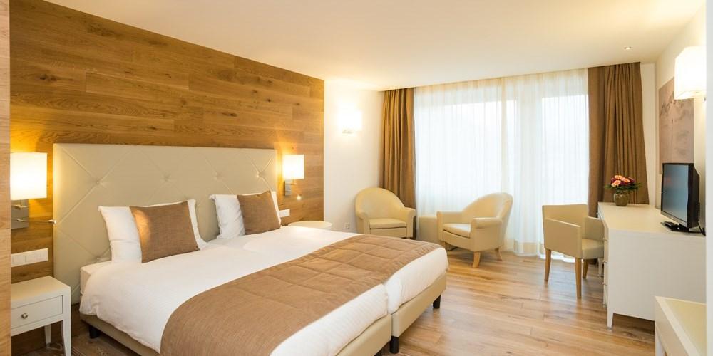 Zimmer  Hotel Schweizerhof Pontresina
