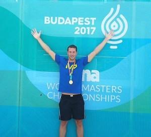 Dietmar Stockinger ist Masters Doppel-Weltmeister über 100m und 200m Freistil.