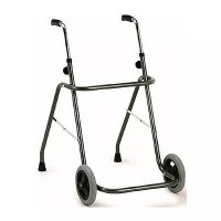 Andador de acero con ruedas