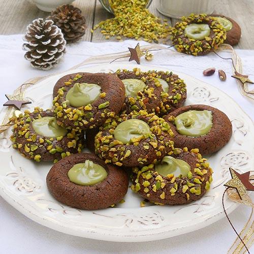 Biscotti Thumbprints al Cacao con Crema di Pistacchio