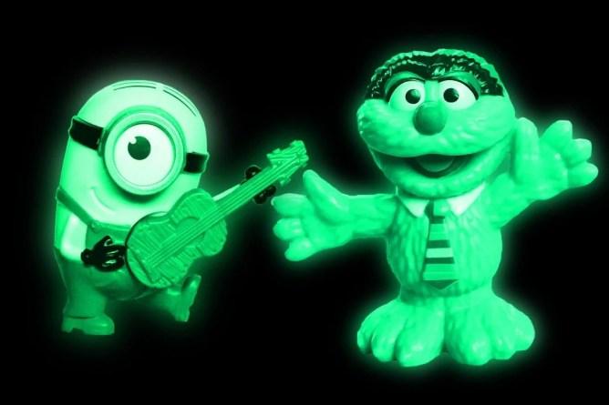 Brilho nos brinquedos escuros
