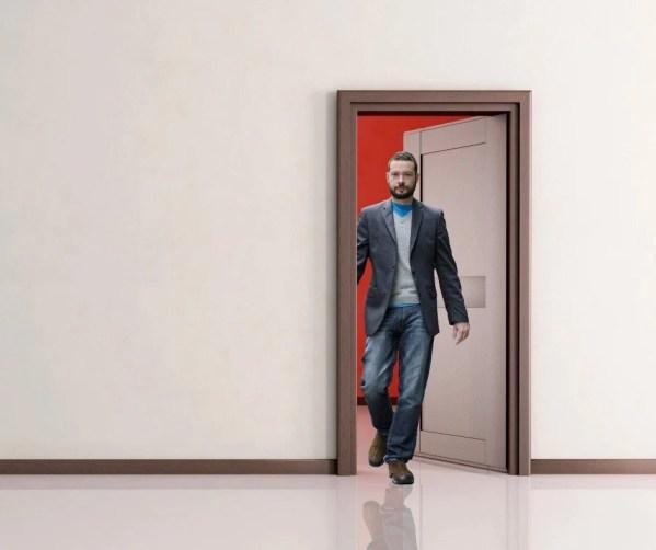 Homem, andar, através, entrada