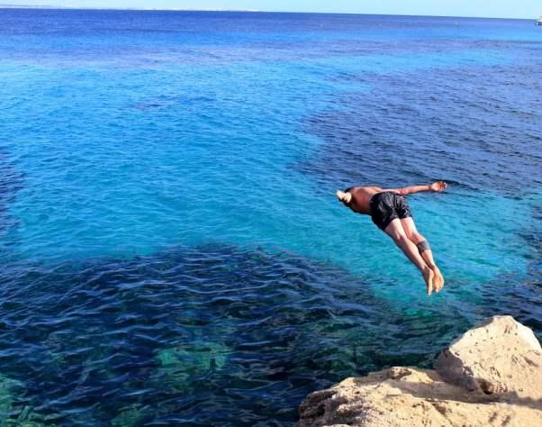 Mergulhando no mar (Christian Giaffrey) S