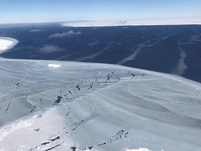 142 iceberg larsen a 68 hidden ecosystem 3