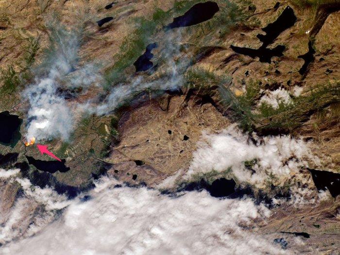 Wildfire near Sisimiut, Greenland, 10 July 2019. (Joshua Stevens/NASA Earth Observatory)