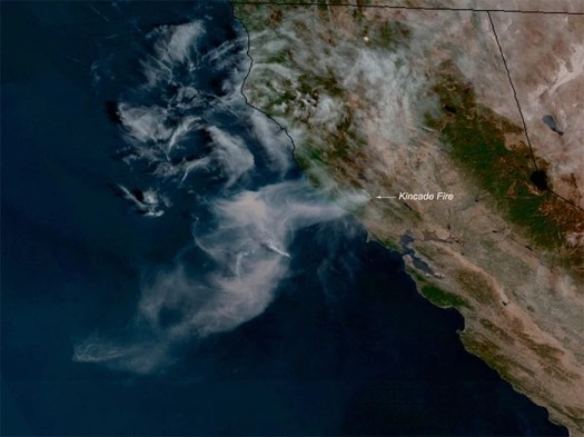 Спутник GOES West обнаружил пожар Kincade 24 октября 2019 года.