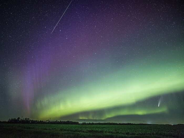 A meteor, STEVE, aurora and Neowise over Manitoba, Canada, 14 July 2020. ( Donna Lach)