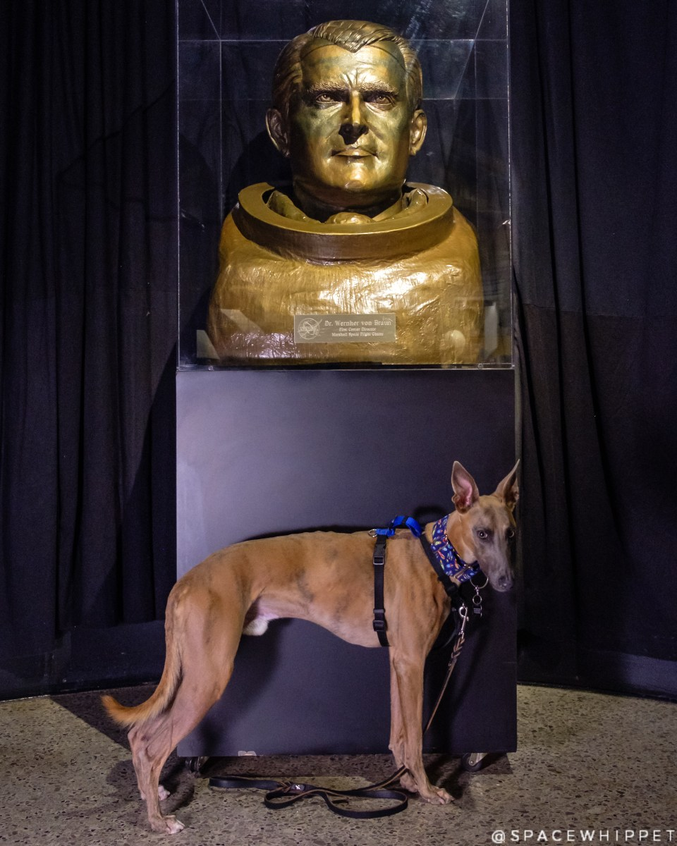 Kuiper poses with a bust of Wernher Von Braun.