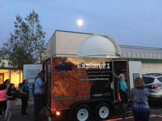 The Mobile Observatory was a hit in our first outing, at Lake Forest Elementary