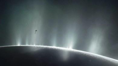 Photo of Europa e Encelado: news da Hubble e Cassini riguardo i due mondi ghiacciati e i loro oceani nascosti