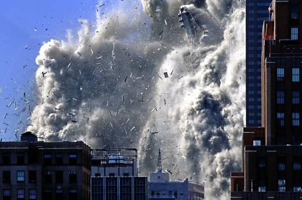 https://i0.wp.com/www.scienceof911.com.au/wp-content/uploads/2009/08/tower_exploding_2730.jpg