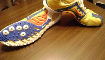 Why Running Shoes Do Not Work Looking At Pronation Cushioning Motion Control And Barefoot Running Science Of Running