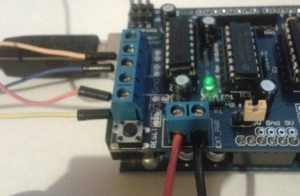 wiring_stepper_motor_to_arduino_motor_shield