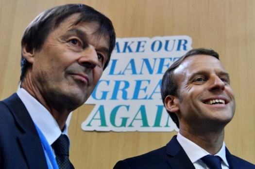 Nicolas Hulot et Emmanuel Macron à la COP23 de Bonn en Allemagne, le 15 novembre 2017 (AFP/Archives - John MACDOUGALL)