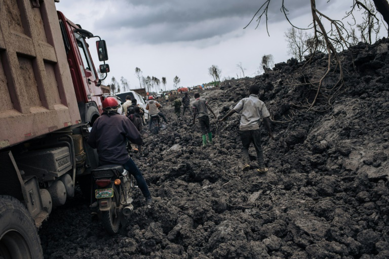 Vehicles circling chilled lava in Goma on May 28, 2021 (AFP - ALEXIS HUGUET)