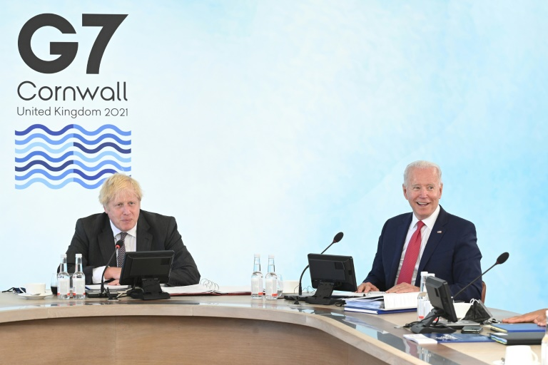 British Prime Minister Boris Johnson and US President Joe Biden at the G7 summit in Carbis Bay on June 12, 2021 (POOL / AFP - Leon Neal)