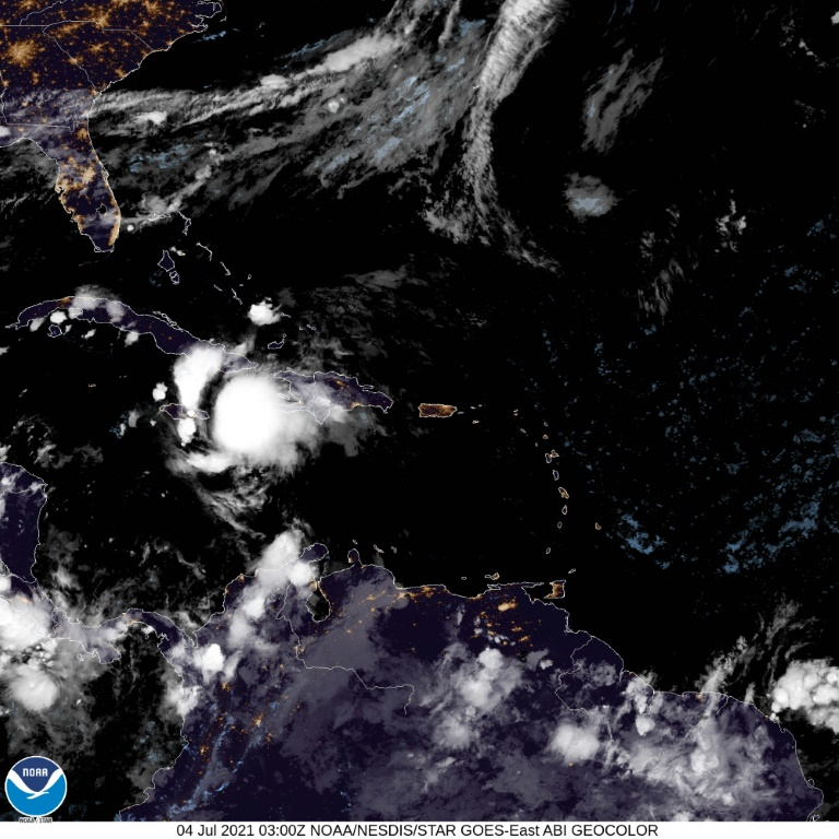 Satellite image of tropical storm Elsa heading for Cuba on July 4, 2021 (NOAA / AFP - -)