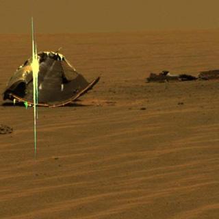 Afval op Mars: het hitteschild van Marsrover Opportunity. Foto: NASA / JPL / Cornell.