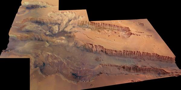 Valles marineris. Klik voor een vergroting. Afbeelding: © ESA / DLR / FU Berlin (G. Neukum).