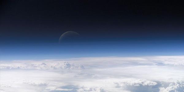 De atmosfeer van de aarde. Afbeelding: NASA Earth Observatory.