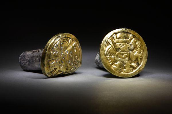 Deze gouden oorsieraden werden gedragen door een belangrijke Wari-vrouw.