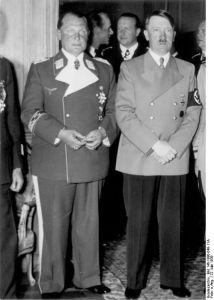 Hermann Göring en Hitler op 22 mei 1939. Foto afkomstig uit het Bundesarchiv.