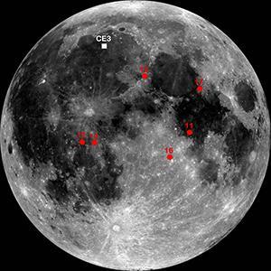 Het witte stipje laat de landingsplek van Yutu zien. De plaatsen waar de Apollo-missies neerstreken, zijn met rood aangegeven. Afbeelding: NASA / GSFC / ASU.